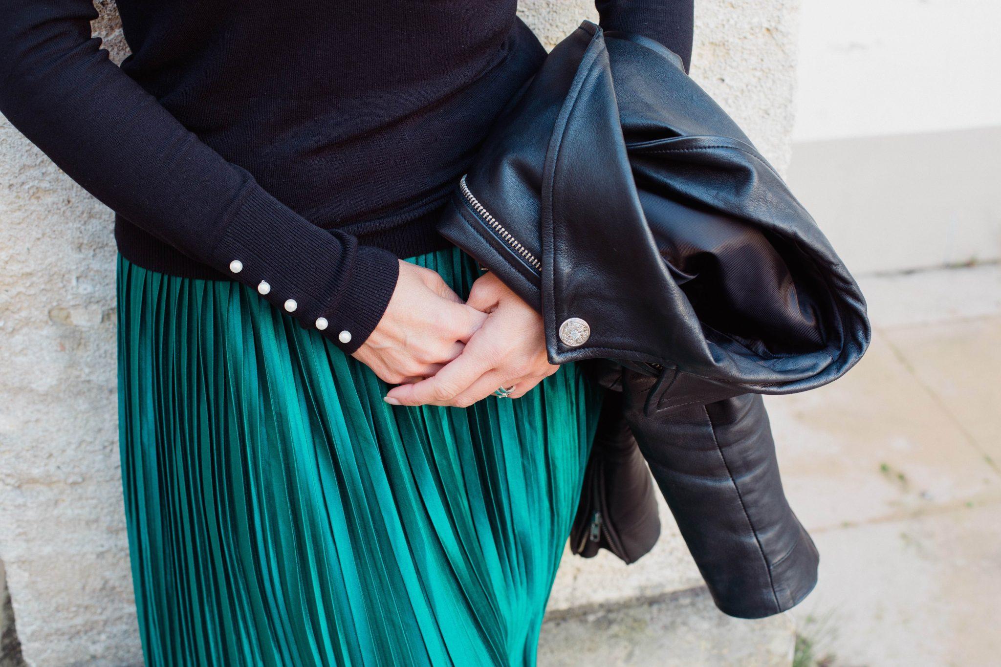Que porter avec une jupe longue plissée