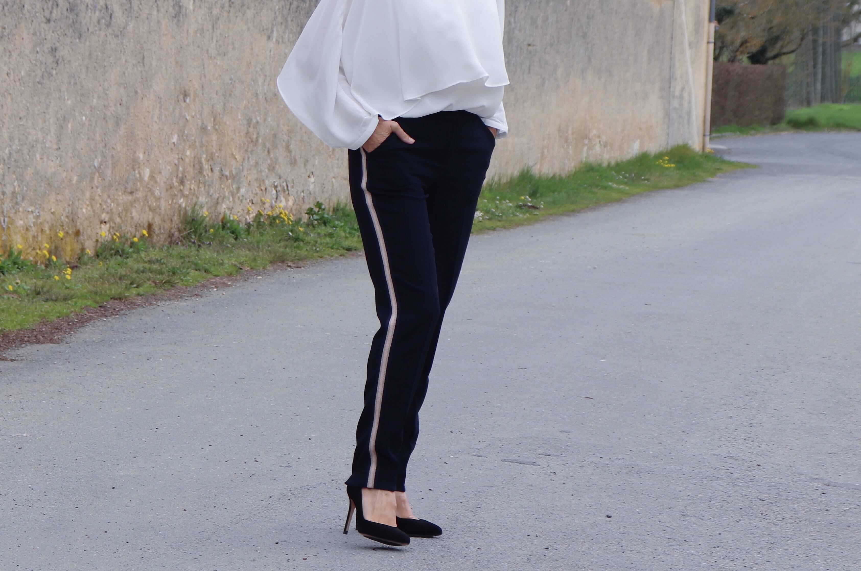 Le pantalon à bandes
